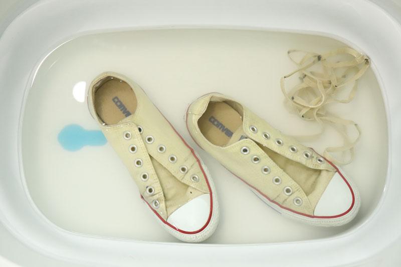 重曹 スニーカー つけ置き洗い